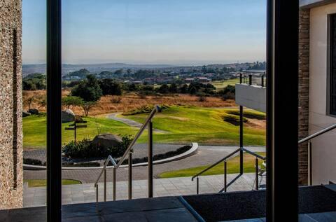 Apartment in Golf Estate Johannesburg North