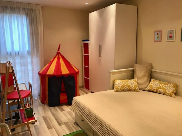 Bedroom #5 with queen bed
