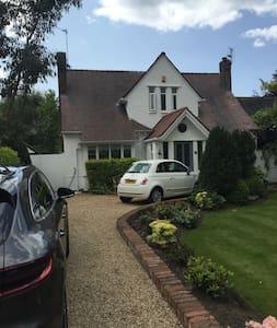 Mullins Cottage - Southport