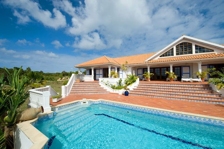 Frangi Pani - Ideal for Couples and Families, Beautiful Pool and Beach - Terres Basses - Villa