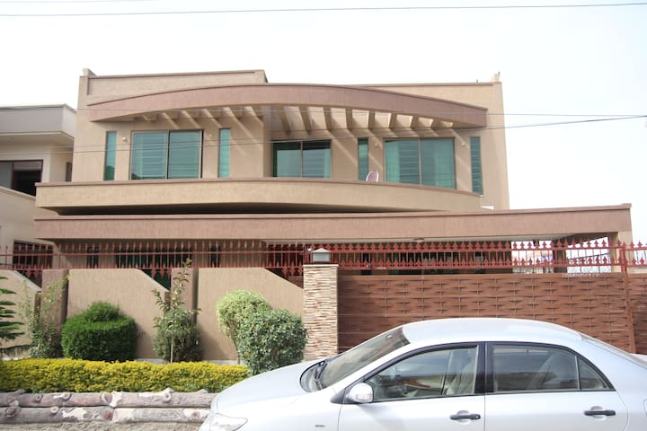 Bahria phase 1 - Islamabad District - Serviced apartment