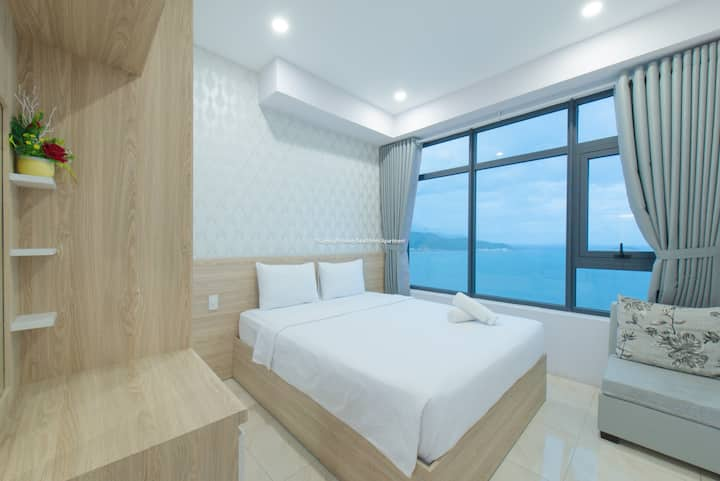 OCEAN VIEW +Balcony seaview by handybeach