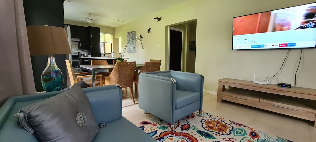 Modern & comfortably furnished 3 Bedroom Apartment