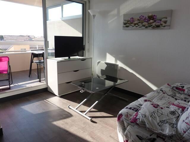 Superbe studio-loggia de 27 m2 en Front de mer