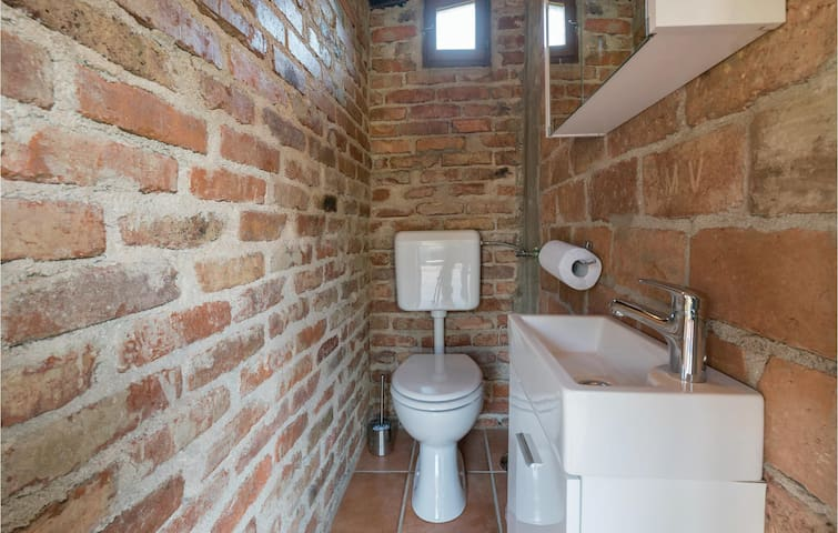 Holiday cottage with 1 bedroom on 35m² in Velika Gorica
