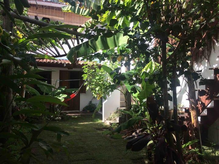 *Linda suíte no quintal Bed&Breakfast Casa Centro*