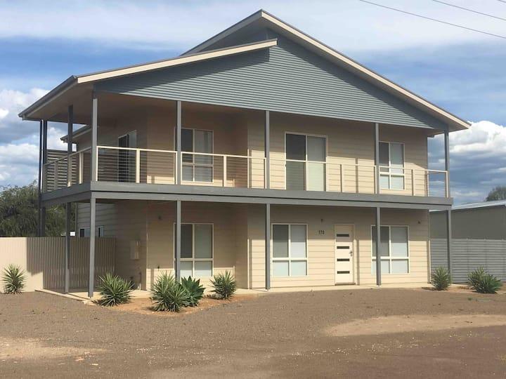 D & K's Holiday House Moonta Bay