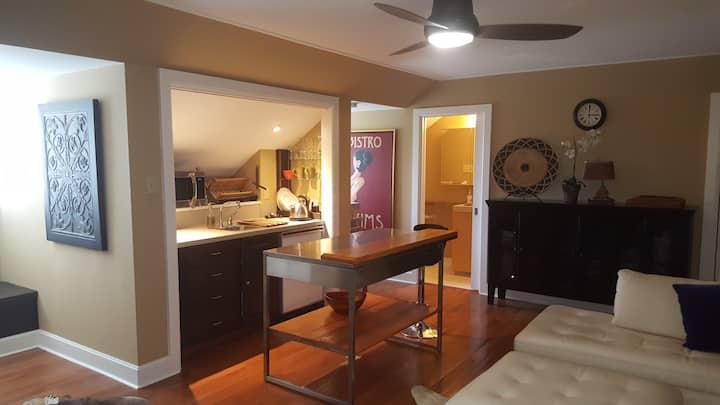 Private garage apartment in quiet neighborhood