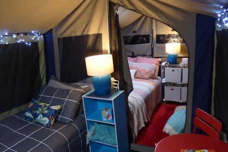 Glamping Cabin Tent in Bush Setting ~ Arthurs Seat - Tienda de campaña