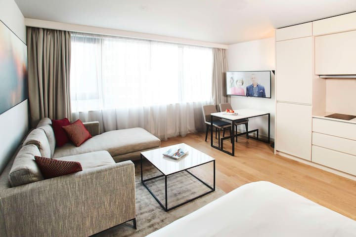 CitySuites Aparthotel Luxury Studio Apartment