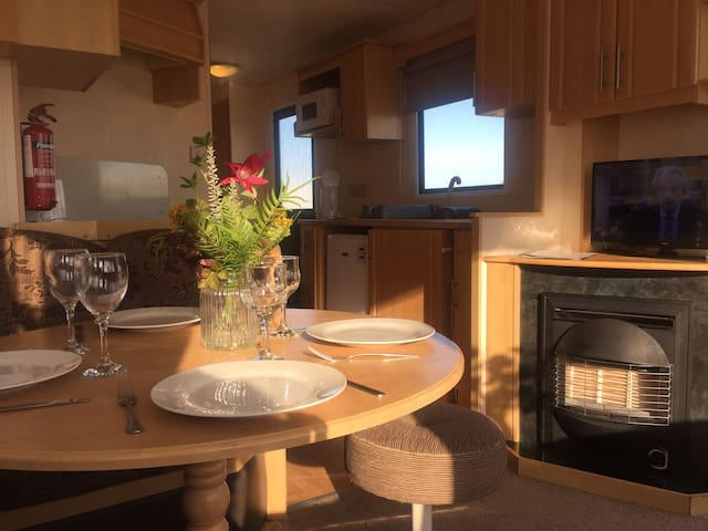 2 Bedroom Caravan Seafield Holiday Park