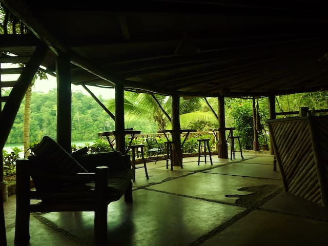 The Roundhouse hostel - Inap sarapan