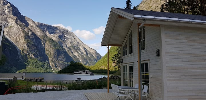 Cabin in the middle of the Nærøyfjord