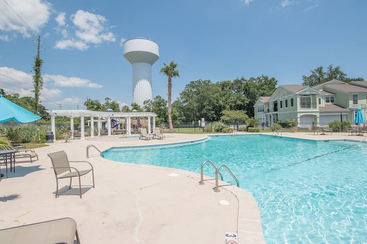 Legacy Villas by Biloxi Beach Resort Rentals 3 Bedroom 2 Bath 3BR Sleeps 8