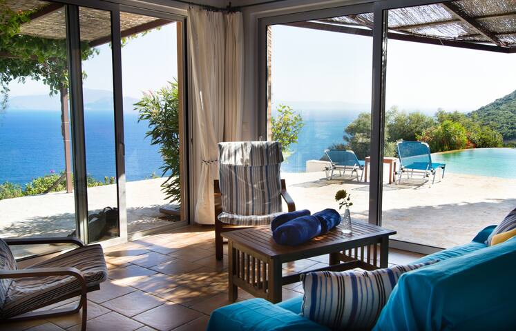 living room with  amazing view