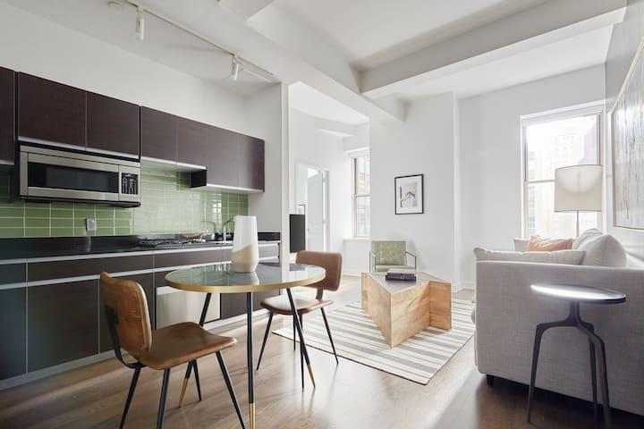 Sonder | One Platt | Warm 1BR + Rooftop