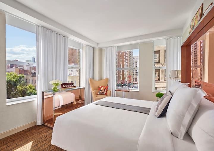 Mondrian Park Avenue, Deluxe King