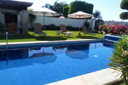 Beautiful House with Private Pool Santa Fe Morelos