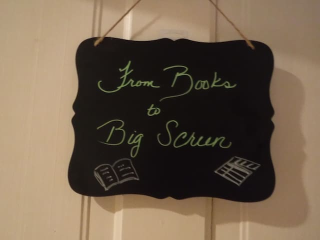 The Stand-Inn Books to Big Screen(3 of 3 Rooms)