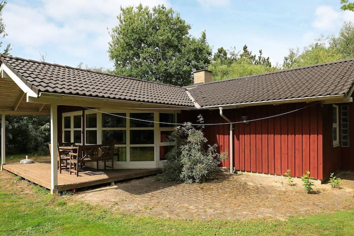 6 person holiday home in Nørre Nebel