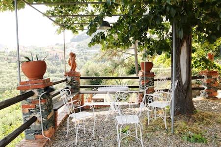 B&B - Un angolo di paradiso sopra a Celle Ligure