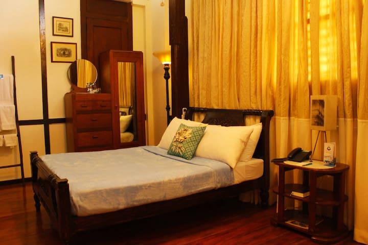 Standard Room (Mangga)