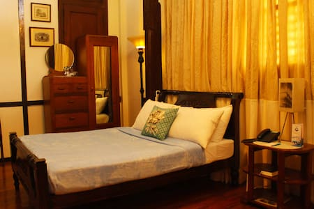 Room 3 Mangga Standard Queen - Bed & Breakfast