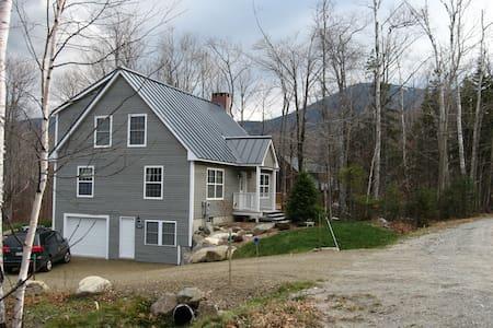 On Mountain, Luxurious 4-Bedroom House - Carrabassett Valley - Casa