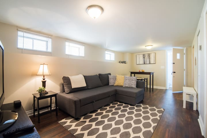 Updated 1 Bdrm in Great Neighborhood! - Denver