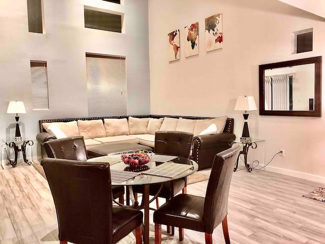 SPACIOUS | 2BR + LOFT with Pull Out Bed | Tempe