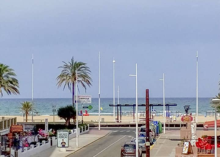 APARTMENT WITH VIEW ON SEA - BEACH AT 50M