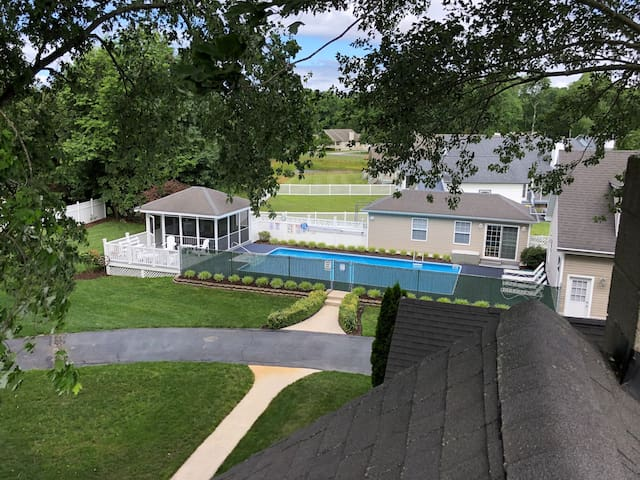 Bethany Beach area home/private solar heated pool