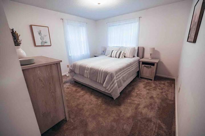 Bedroom 1 - Queen with shared bathroom