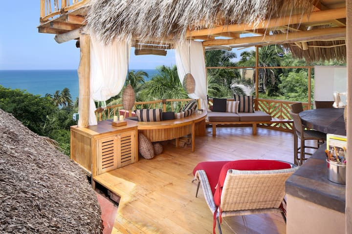Mi Nido, palapa loft nest; treetops above the sea