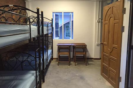 Roly Hostel-Female Dorm