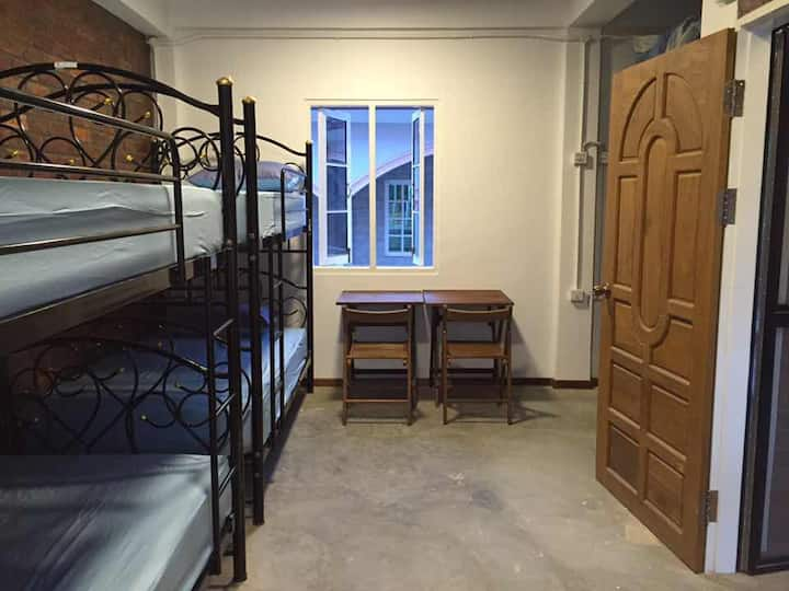 Roly Hostel-Female Dorm