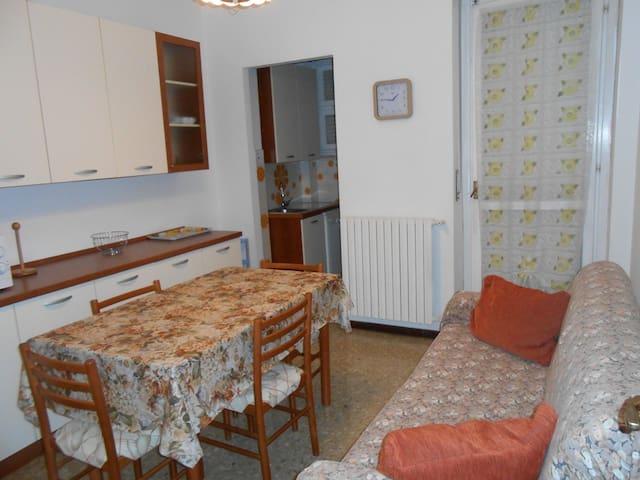 ALLOGGIO AMPIO VICINO AL MARE - Andora - Apartment