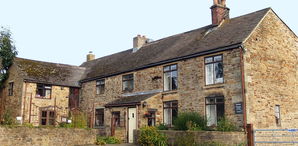 3 bedroom farmhouse, Peak District - Sheffield