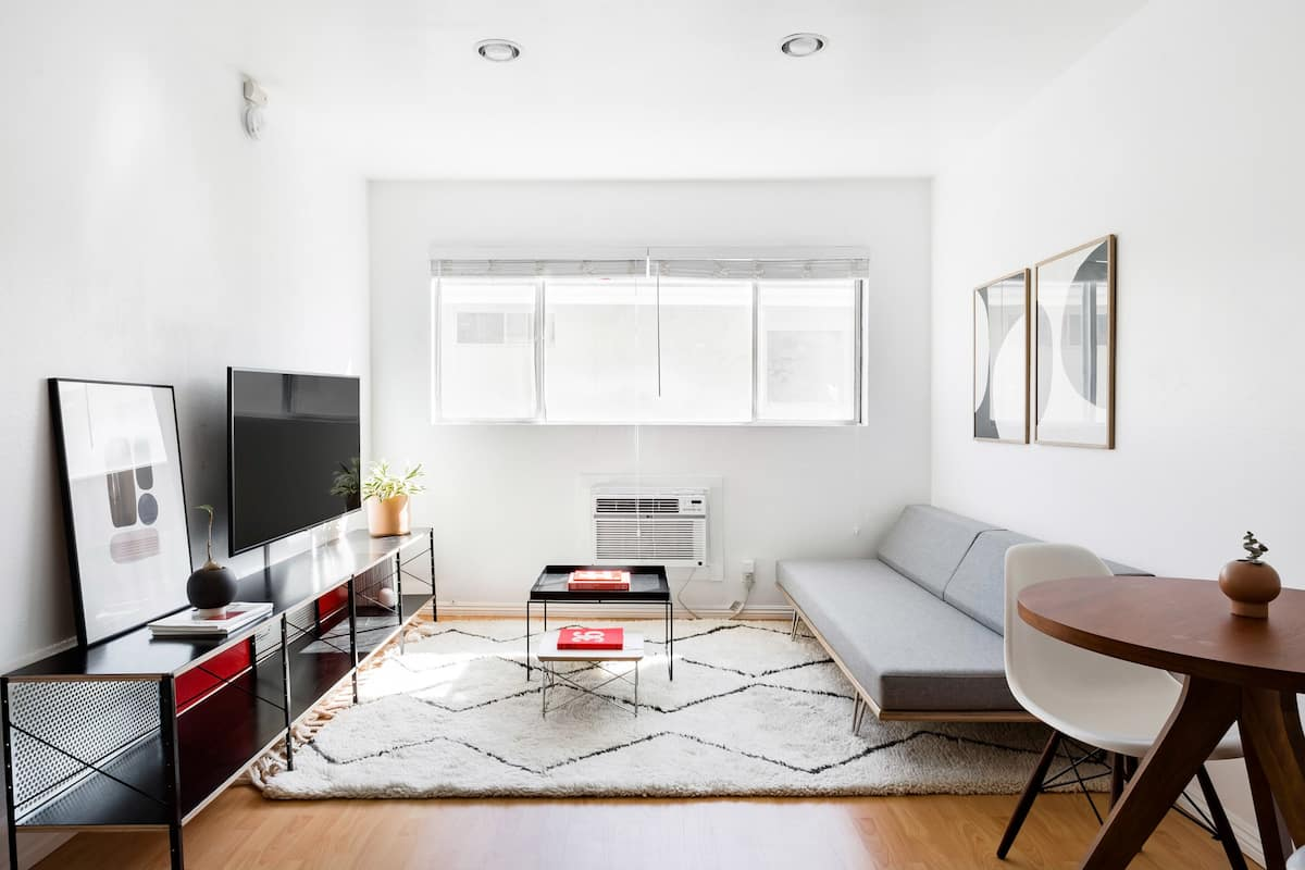 Bright, Minimalist Apartment in Chinatown