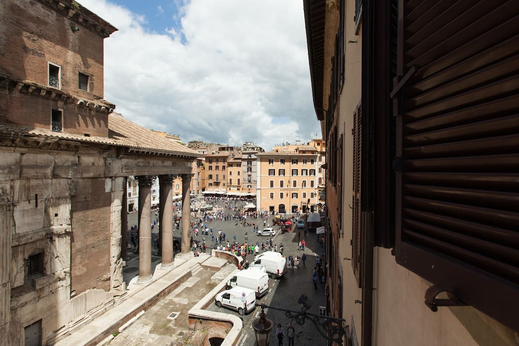 The Window On Pantheon Apartments For Rent In Rome
