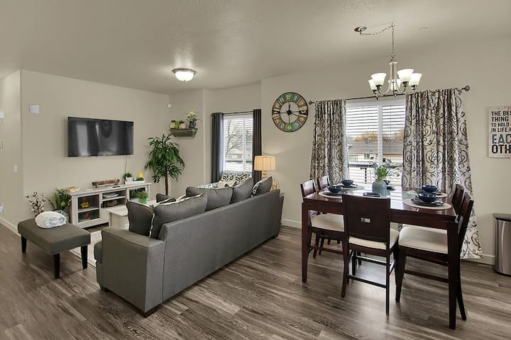 ⭐️Lux New Apartment⭐️Fast WiFi⭐️4K HDTV⭐️Hill AFB