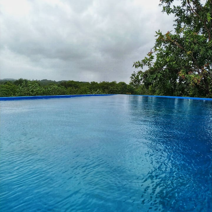 Four @ Bungalow 598 with Rooftop Infinity Pool