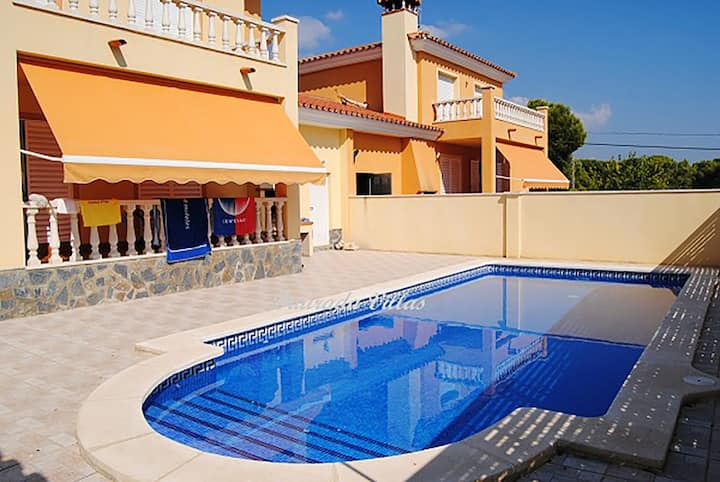 Villa with 3 bedrooms in Les Tres Cales, with private pool, enclosed garden and WiFi - 300 m from the beach
