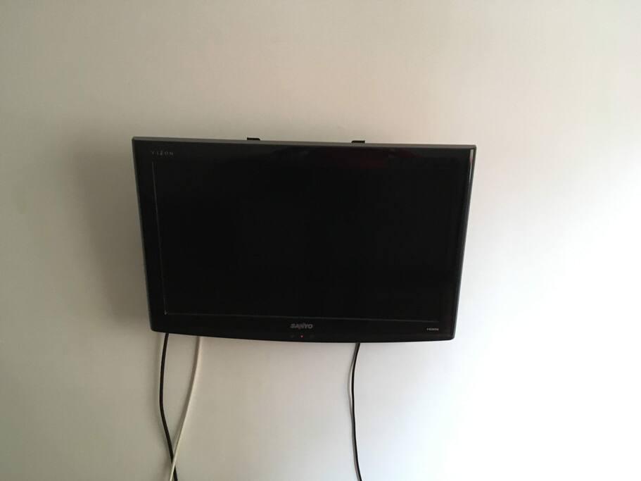 TV con cable  + WiFi