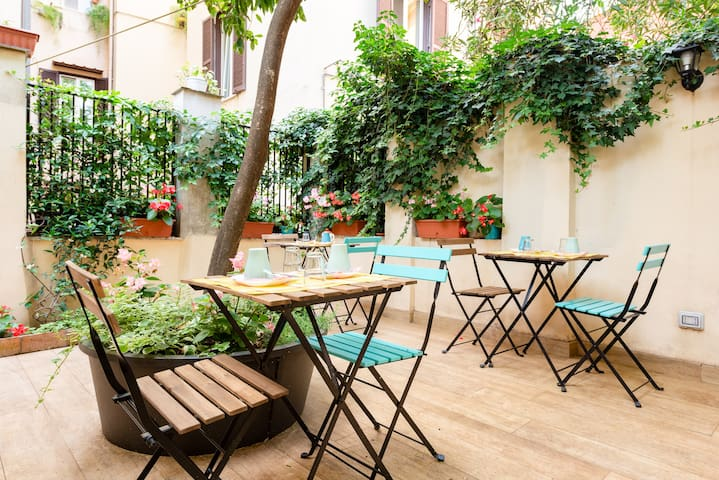Economy double with Garden close to Colosseum