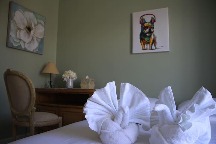 bedroom3 queen size