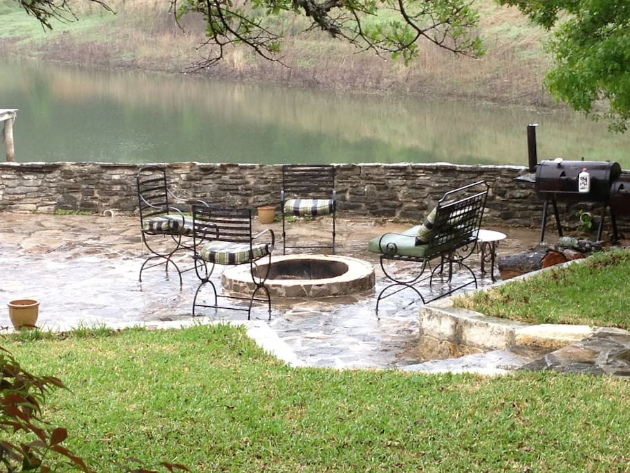 Lakeside Back patio #2