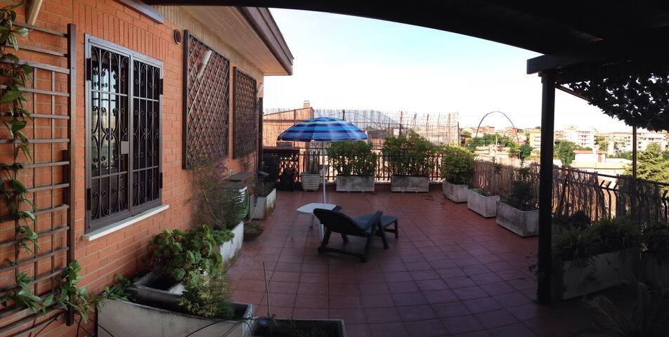 L'ATTICO casa vacanze a Roma  Casal del Marmo