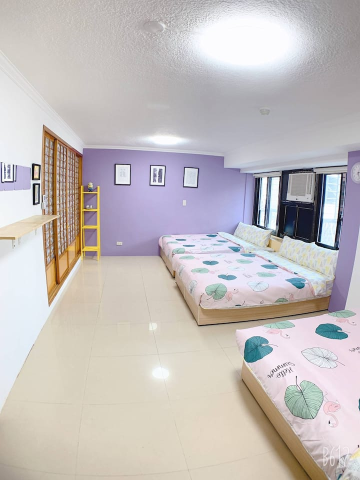 Prime Condo for 3-8 people@ MRT Ximen station