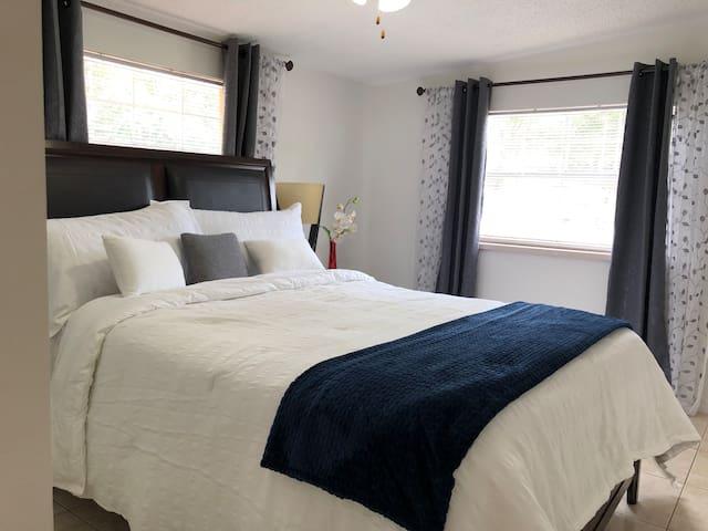 Cozy St Pete Suite near beaches
